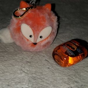 Bath&body Works furry fox bag charm/hand gel. NWT